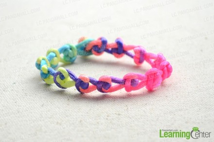 One-string-jewelry-designs-to-make-within-15-minutes-finished.jpg